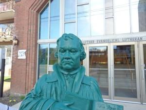 Martin Luther Ambassador statue