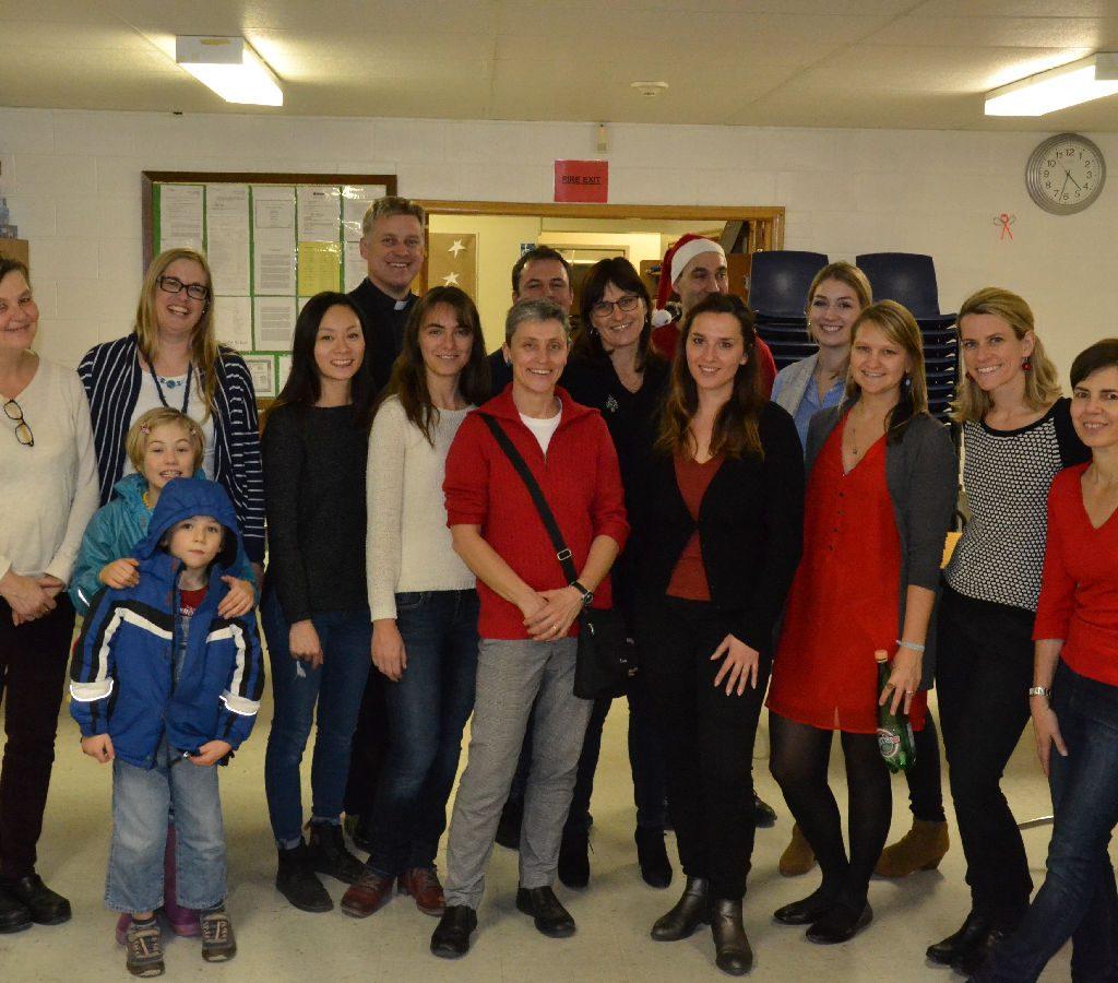 8. Weihnachtsbasar Fundraiser Für Flüchtlingshilfe – Viele Menschen, Ein Ziel