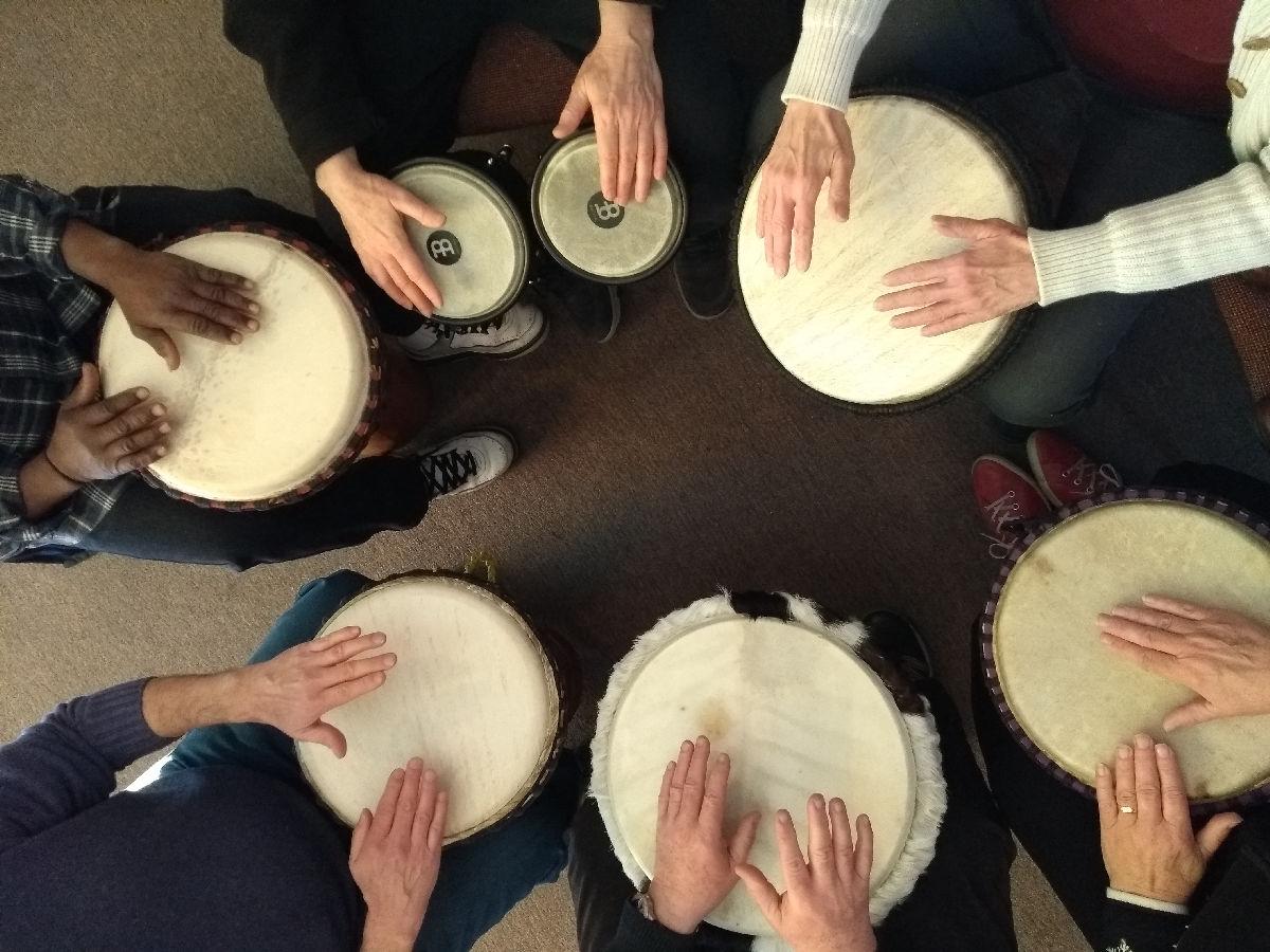 Drum Circle -7 Drums In A Circle