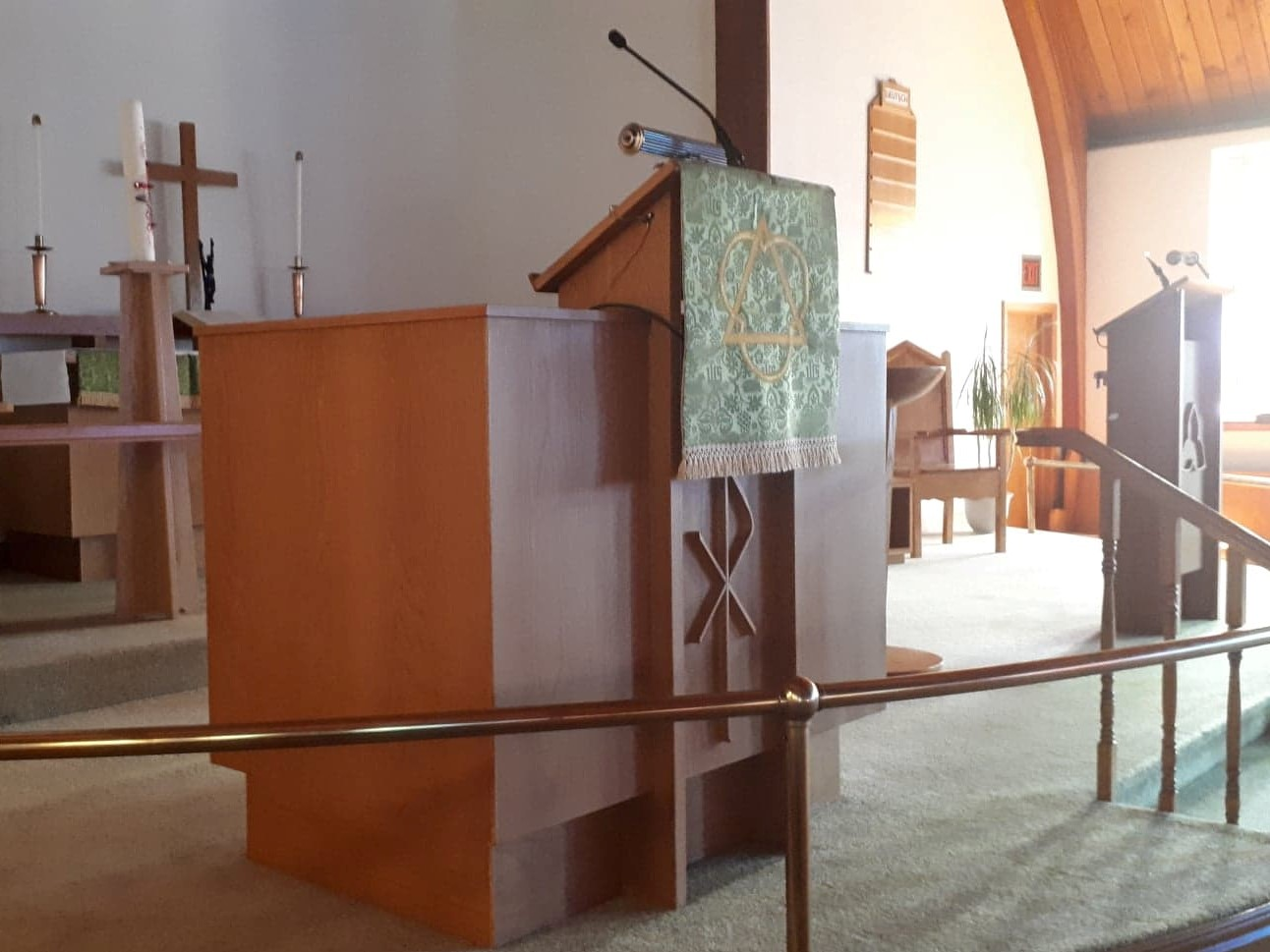 Empty Pulpit at Martin Luther Church 2020 Seeking New Pastor