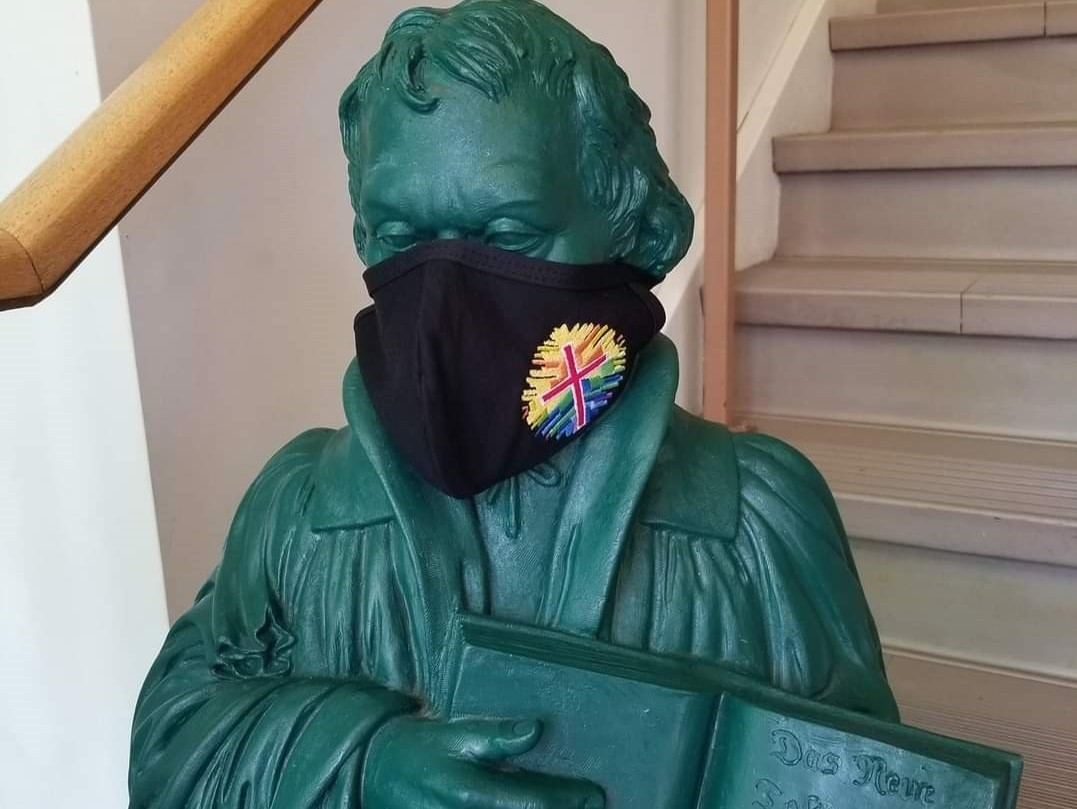 2020 MartinLuther Statue With Logo Mask-4x3