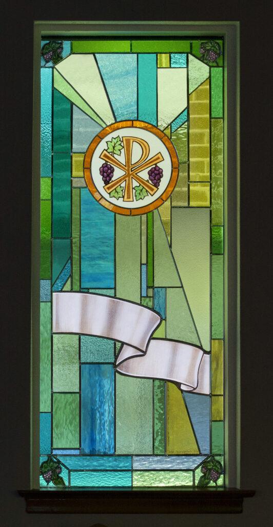 E05vine Christ the vine Chi-Ro symbol MLC Fenster Oct16-2017 cb